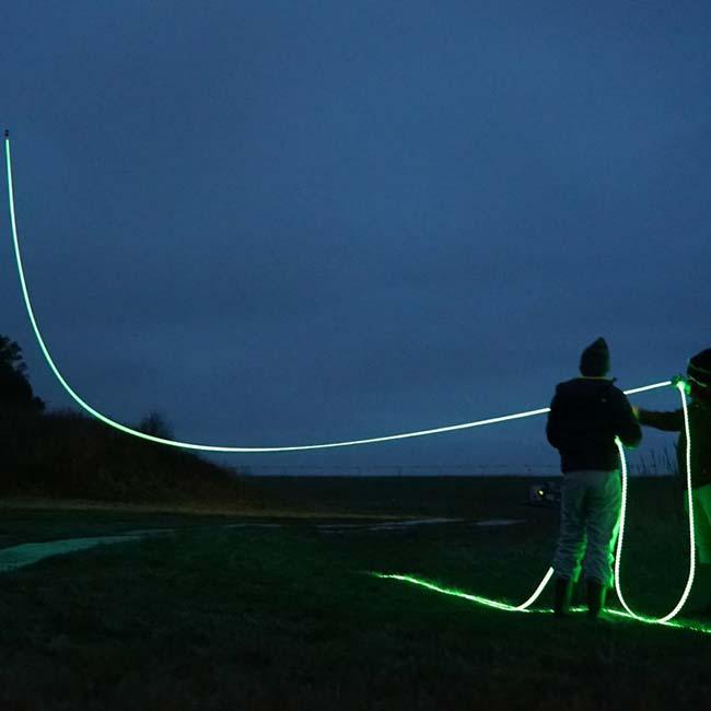 Kunst: Studio Roosegaarde - touwen voor vliegers (foto: Studio Roosegaarde)